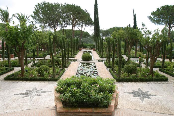 Patio de los poetas hotel incosol paisajistas marbella for Jardin hispano mauresque